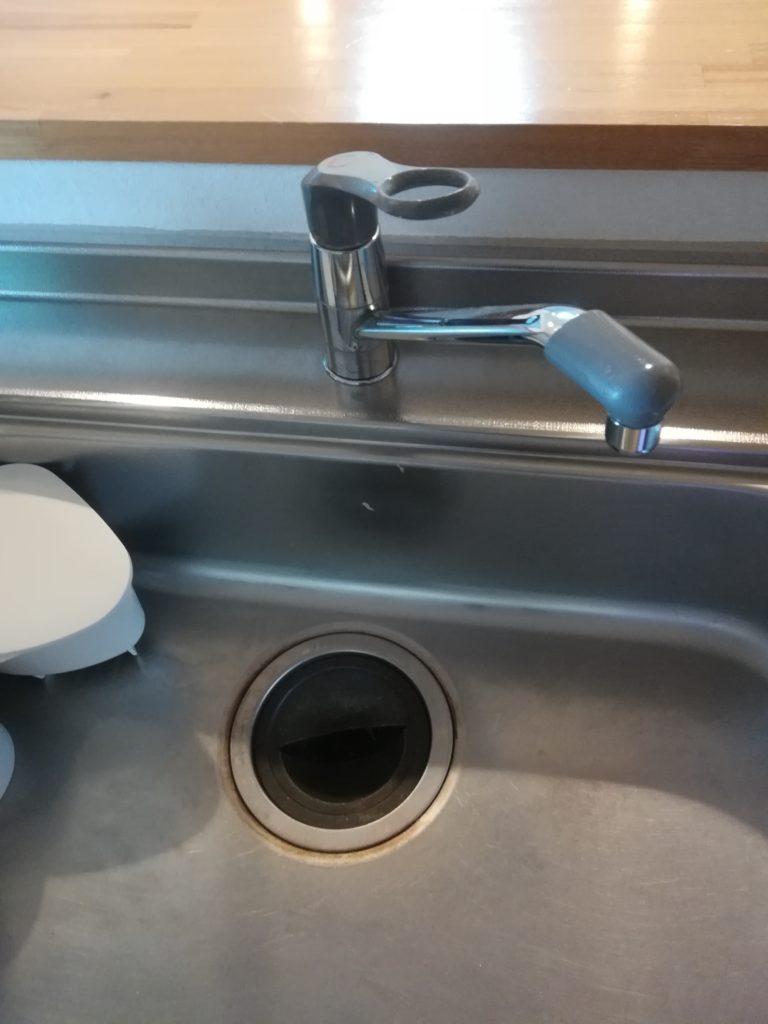 旭川市で台所の排水管が詰まり修理を行いました。