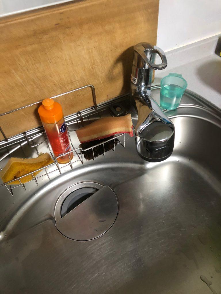 滝川市で台所の排水つまり修理を行いました。