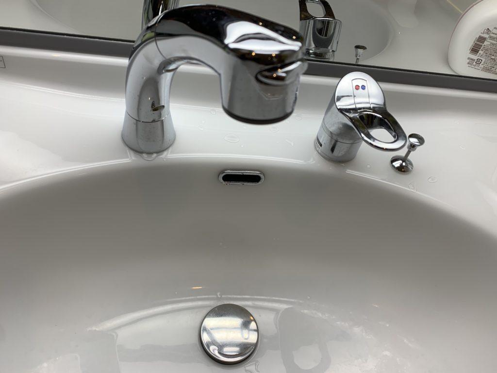 苫小牧市で洗面所の蛇口水漏れ修理を行いました。