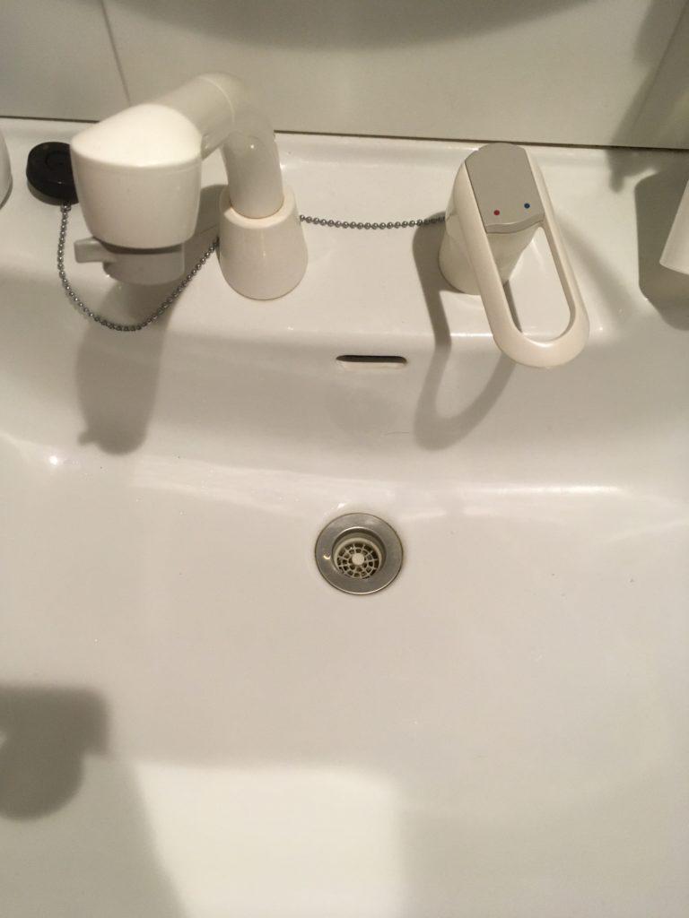 北海道旭川市で洗面台の水漏れ修理を行いました。