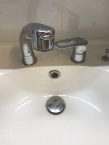 洗面台の水漏れ